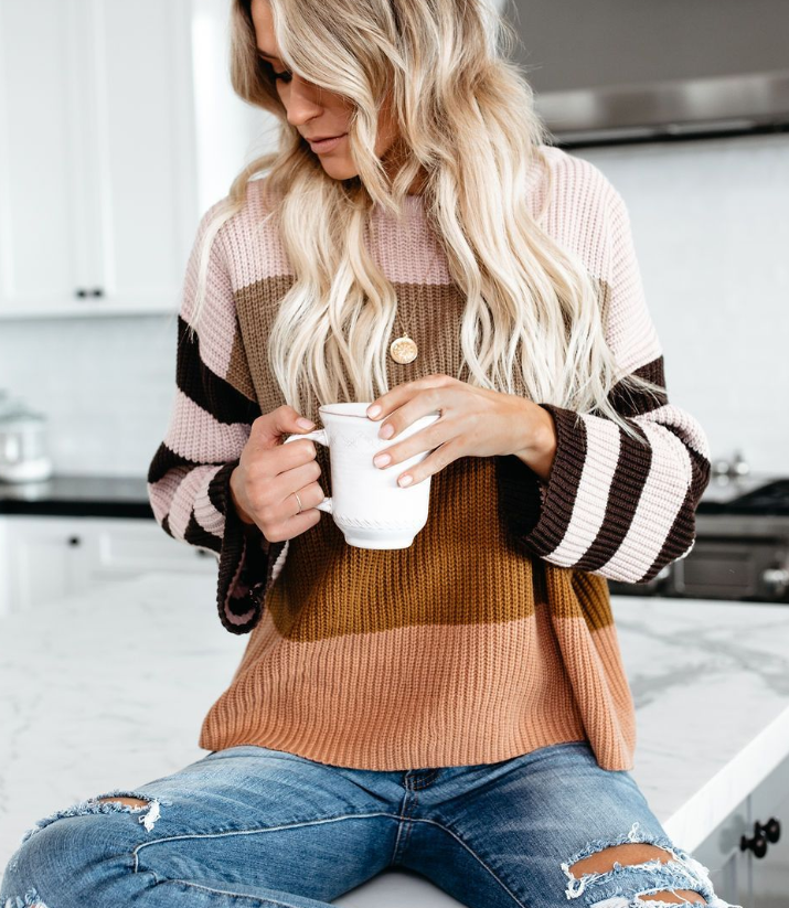 New Fashion Sweater Stitching Sweater