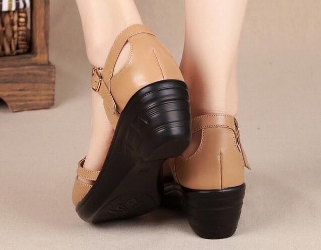 Cowhide Middle-aged Mother Sandals Genuine Leather Wedged Sandals
