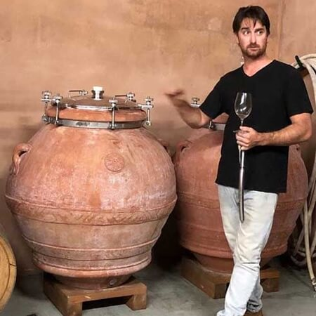 Skigh with his amphora