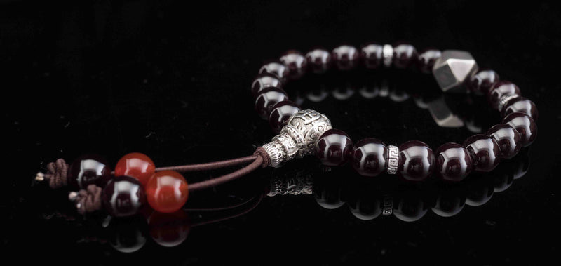 products/silver-garnet-prayer-beads-lys-heritage.jpg