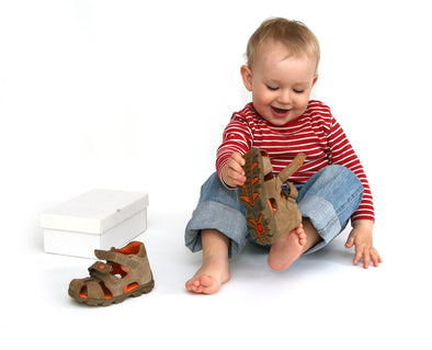 Our Top 7 Tips for Fitting Children's Shoes