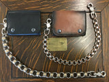 Guide for wearing 1950's chain wallets– back in trend