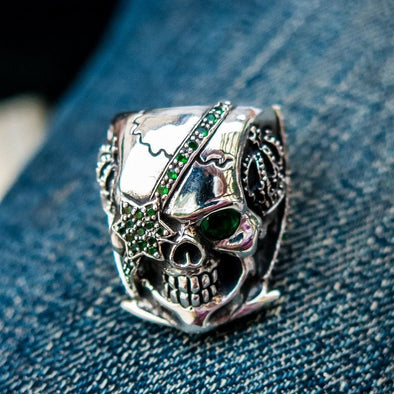 emerald pirate skull ring-Bikerringshop