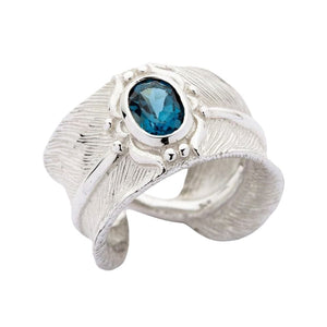 anillo de plumas de plata esterlina