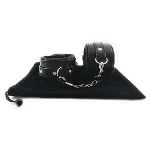 pu leather bondage handcuffs with velvet bag