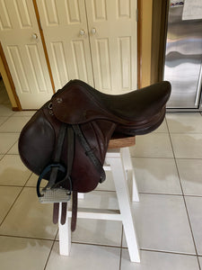 "17""  Prestige Meredith jumping Saddle"