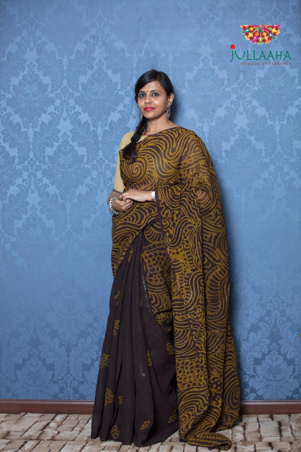 Exquisite hand painted batik on Georgette -to bring out the timeless look in you - Jullaaha Boutique