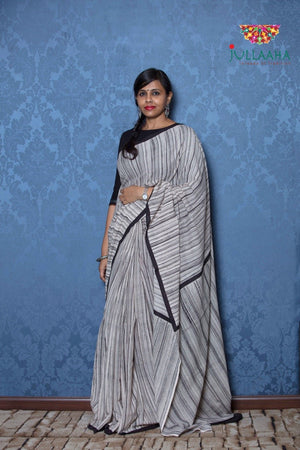 Batik Saree - White  &  black - Jullaaha Boutique