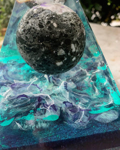 Onyx sphere resin pyramid