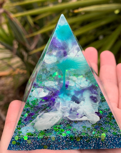 Mini resin pyramid in green and blue