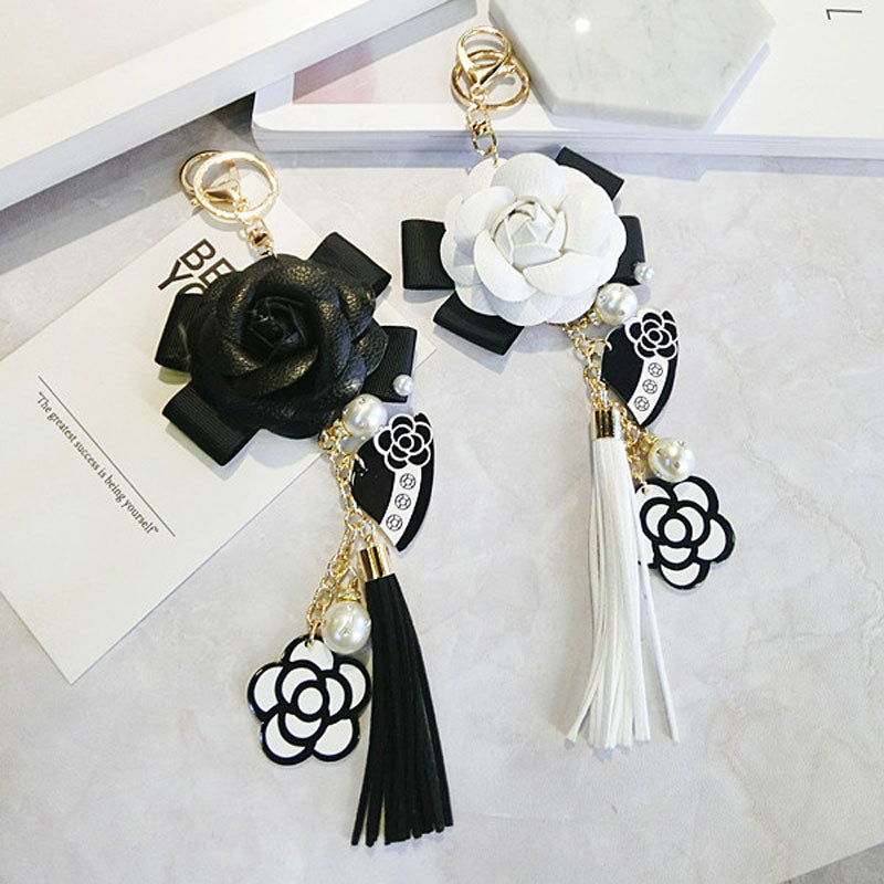Luxury Bag Black White Woman Keychain Plush Car Camellia Bags key chain