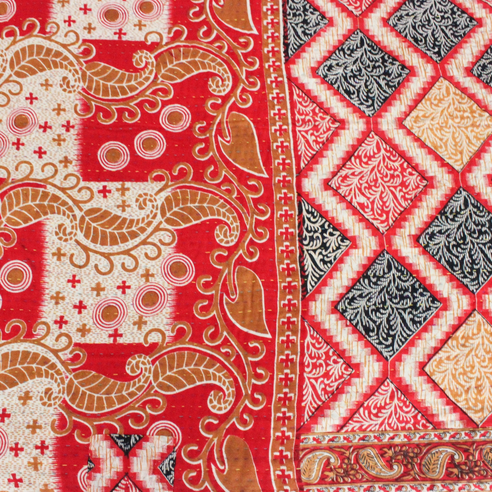 Vintage Kantha Quilt red pattern detail - Anokha Collection