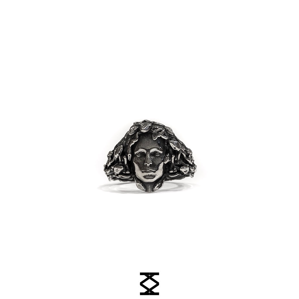Gorgon - personalized 925 silver ring with a jellyfish head