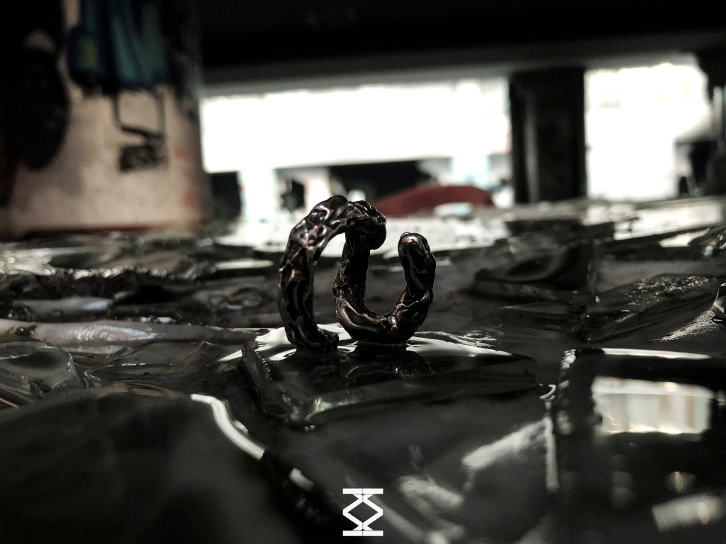 Philotes - Silver letter ring 925
