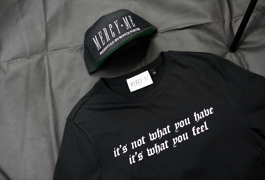 It's what you feel Black/White t shirt