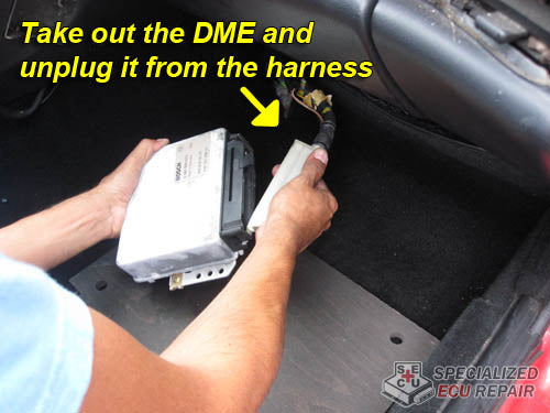 Porsche 944 disconnect DME from harness
