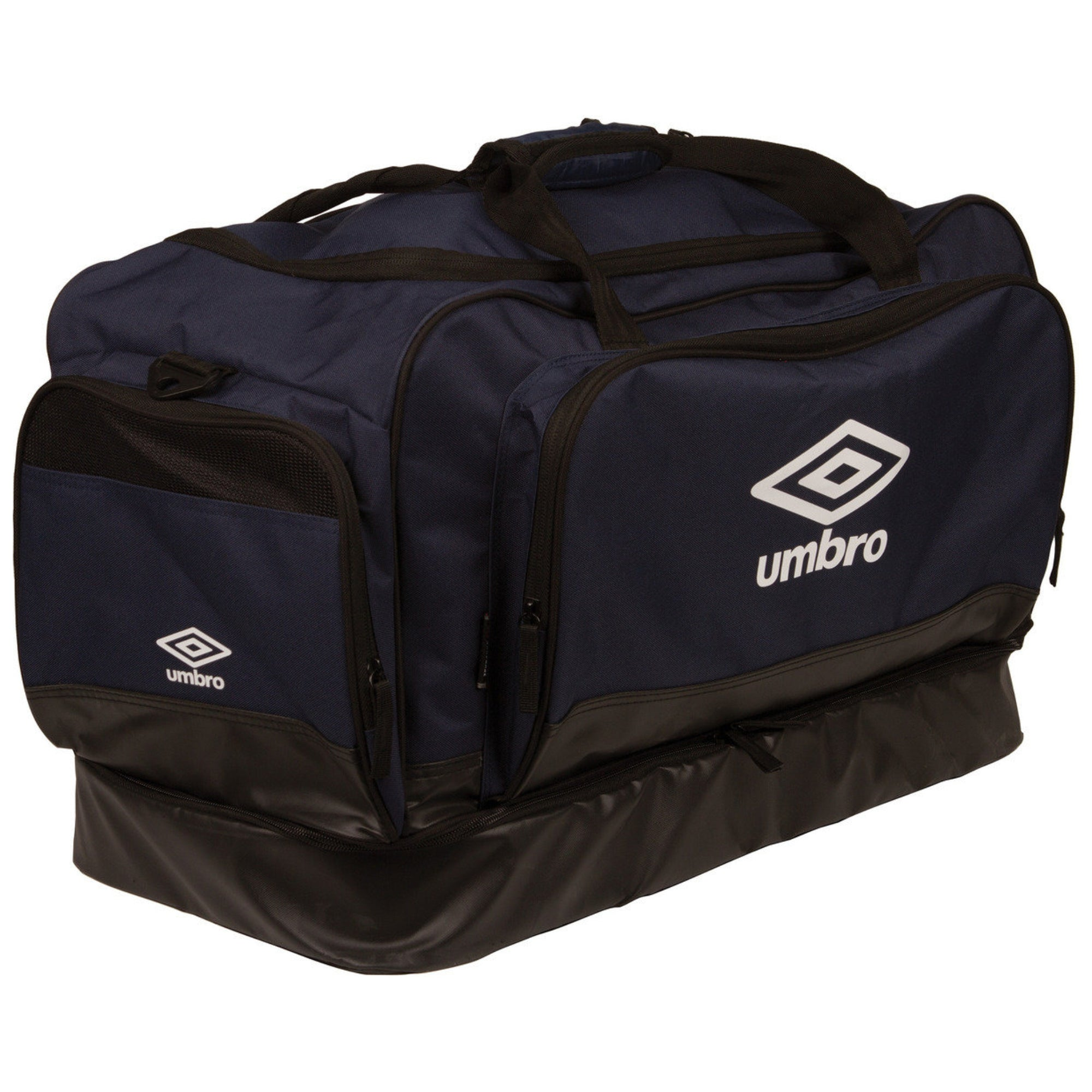 Umbro Medium Hardbase Holdall - Black/White