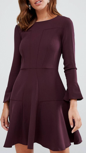 Elizabeth pannelled flare sleeve dress in wine