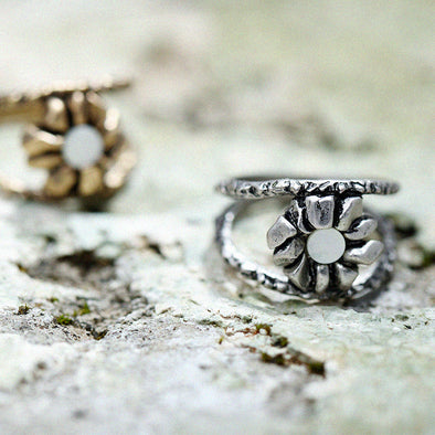 Vintage Flower with Natural Shell Ring