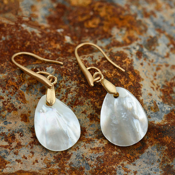 Shell Pendant Earrings