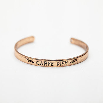 Carpe Diem Leaf Simple Bracelet