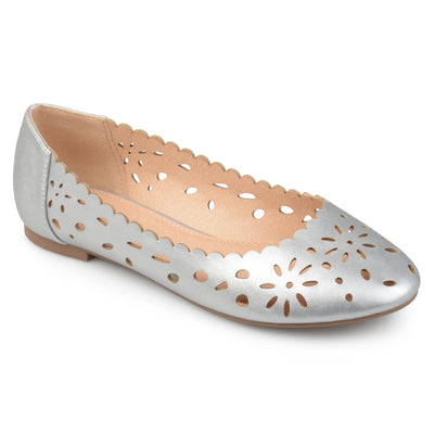 Brinley Co. Womens Dester Faux Leather Wide Width Scalloped Laser-cut Round Toe Flats