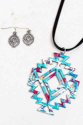 Blue Western Cutout Necklace - Inward Beauty Boutique