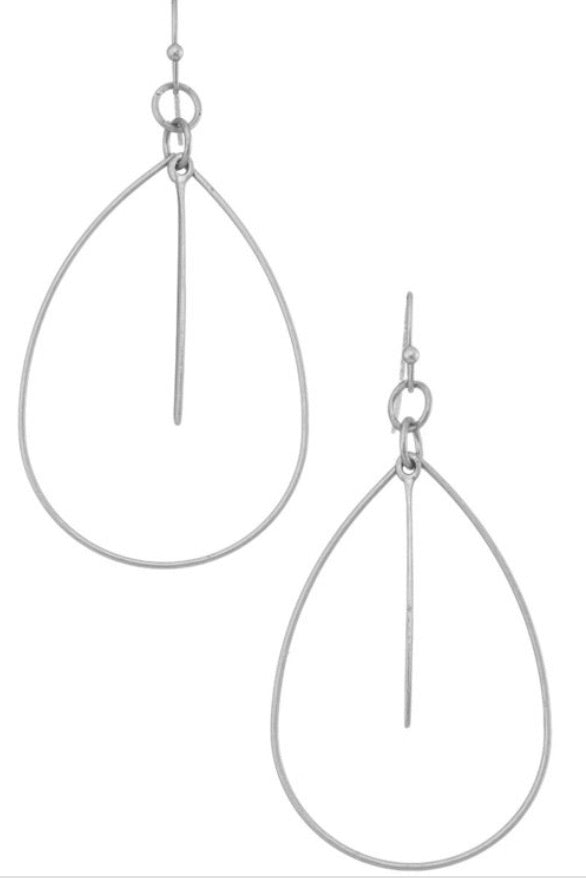 Simple and Chic Earrings - Inward Beauty Boutique