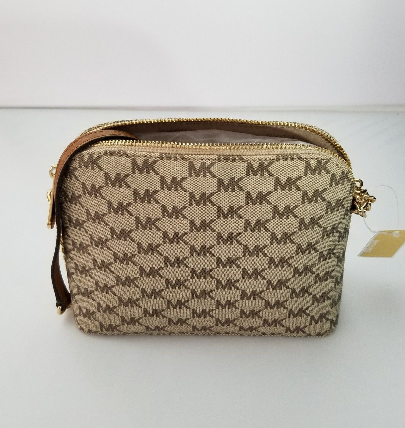 0338050e1df0 ... Michael Kors Cindy Large Dome Crossbody MK Logo Shoulder Strap Natural  Acorn Bag ...
