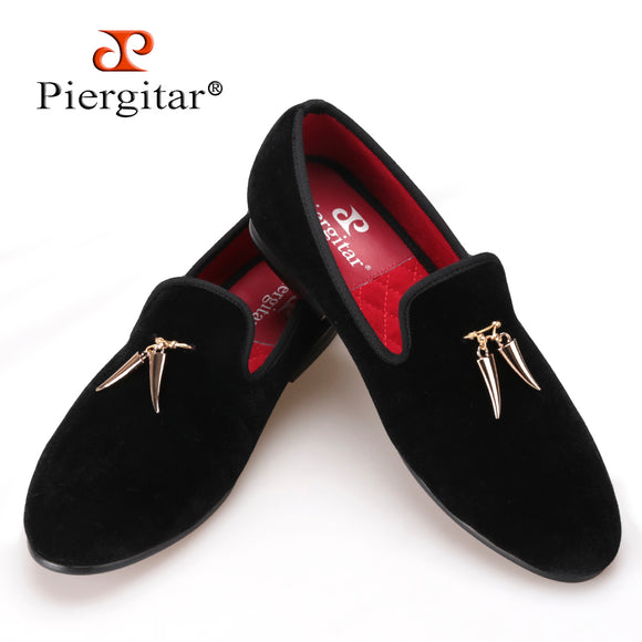 Pierigtar new Gold metal signature Shark Tooth Handmade Men Velvet shoes Men  wedding and party Loafers 5ea619581ccb