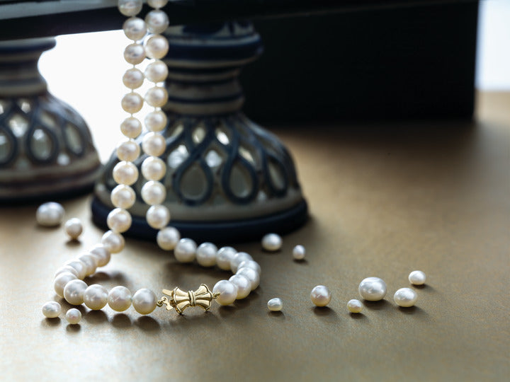The Importance of Pearl Knotting and How to Store Pearl Strand Necklace