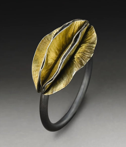 Gorgeous Multi-Pod Ring