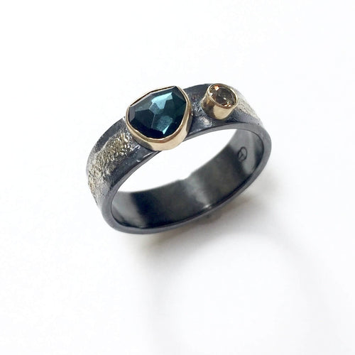 18k Gold Aqua Tourmaline Wedding Band