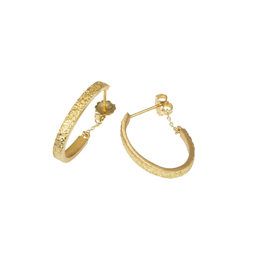 Small Oval Sand Hoop Earrings in 18K Yellow Gold