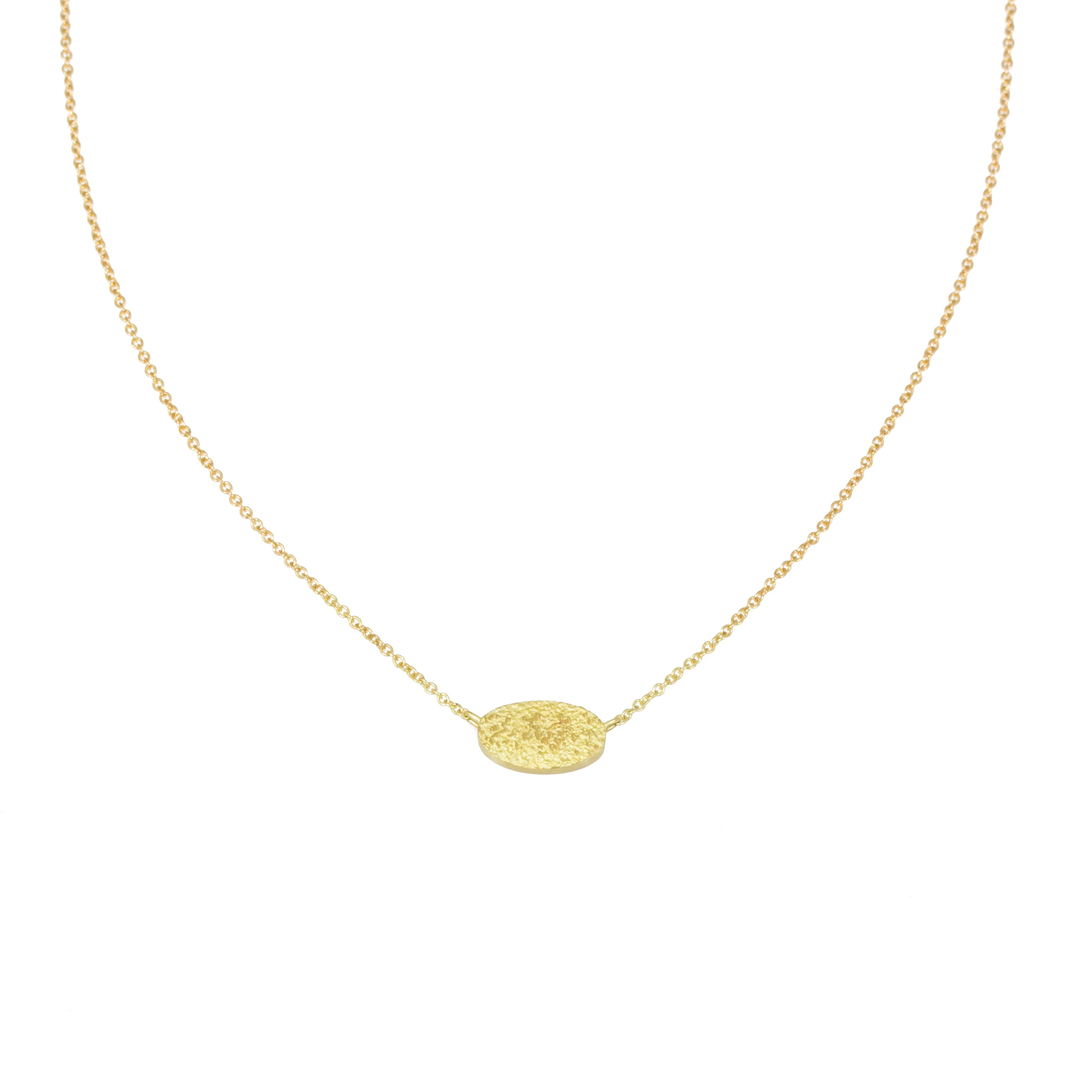 Sand Oval Necklace in 18k Yellow Gold