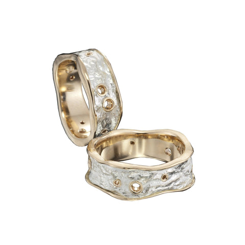 4mm collet set salt and pepper diamond on 18ct yellow gold