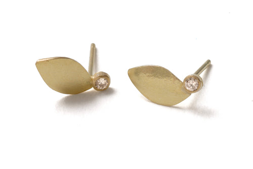 18k Gold Leaf Diamond Stud Earrings