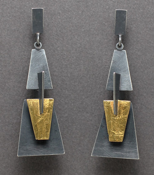 Trapezoidal Shape Flowers Earrings in Oxidized silver and gold