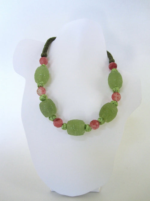 Shou Jade Cherry Quartz Green Chinese Knots Necklace