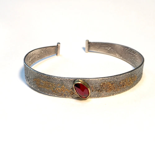 Reticulated Silver Cuff set with  rose cut Garnet and 18k gold powder accent