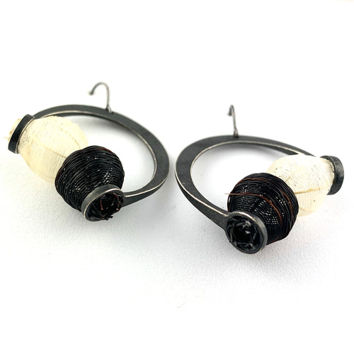 Black and White Globo Threader Earring