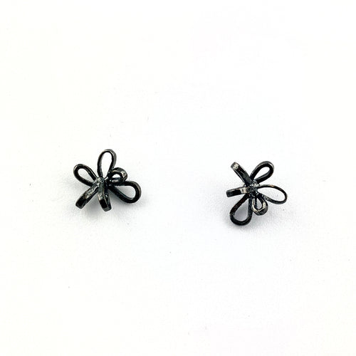 Cinta Stud Earrings In Sterling Silver oxidized