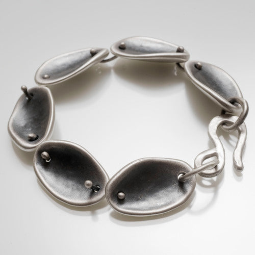 Five Depth Petal Bracelet