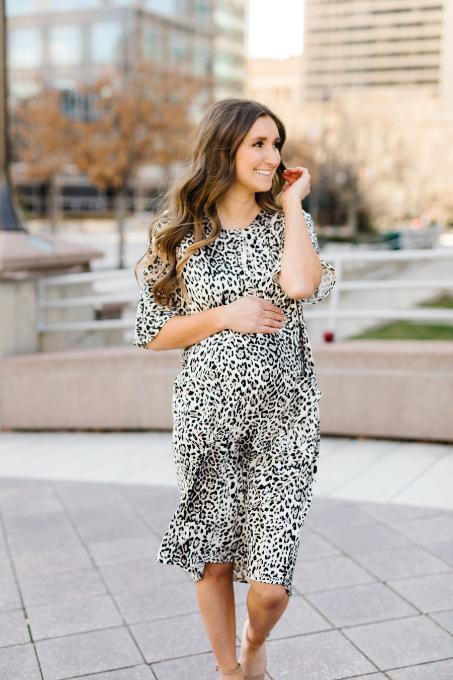 Silver Leopard Snap Silhouette