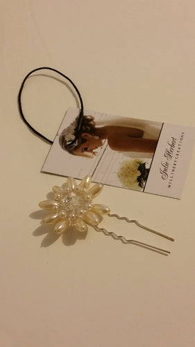 Swarovski ivory pearls with crystal comb