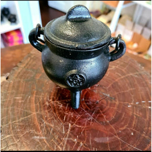 Cauldron with Small Pentacle