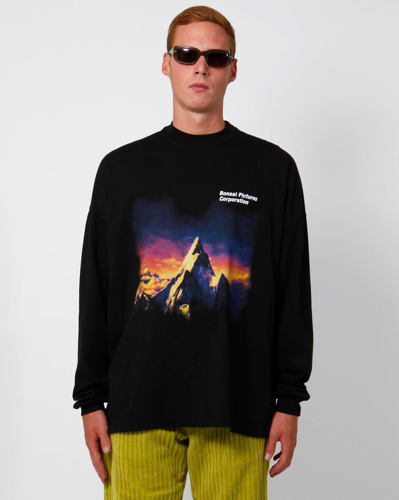 Paramount long-sleeved tee