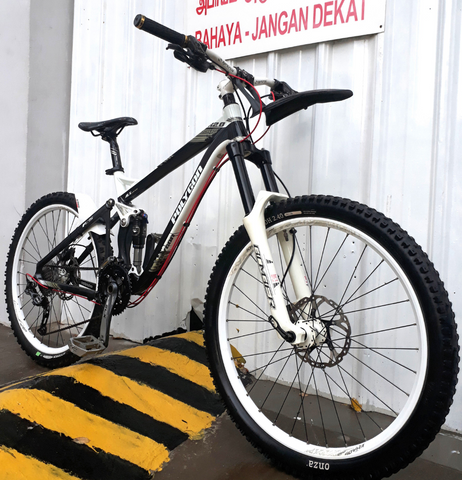 Polygon COLLOSUS AX 2.0 Full Suspension Mountain Bike