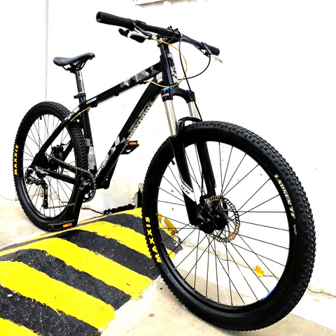 Polygon Cozmic DX 1.0 Hardtail Mountain Bike