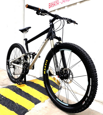 Giant Anthem II Full AIR Suspension Mountain Bike